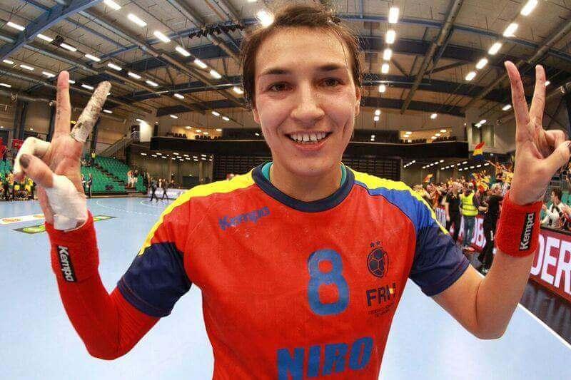Cristina Neagu cea mai buna jucatoare a Campionatului Mondial de handbal Cristina Neagu cea mai buna jucatoare a Campionatului Mondial de handbal FB IMG 1450637511001