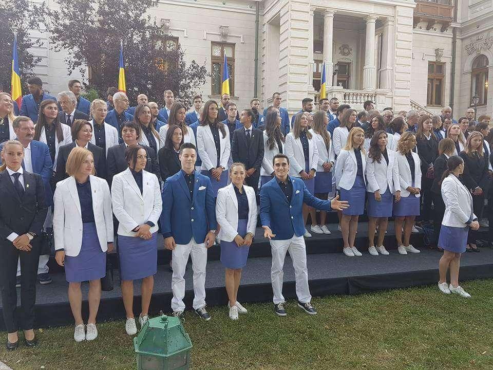galerie foto:ceremonie de inmanare a drapelului la cotroceni Galerie Foto:Ceremonie de inmanare a drapelului la Cotroceni FB IMG 1469162386044