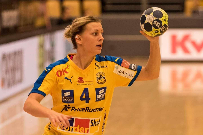 Nathalie Hagman a semnat cu CSM București! Nathalie Hagman a semnat cu CSM București! FB IMG 1492622047960