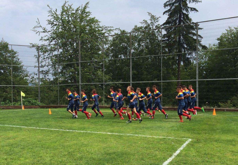 tricolorii u17 se pregătesc la cheile grădiștei pentru preliminariile campionatului european Tricolorii U17 se pregătesc la Cheile Grădiștei pentru preliminariile campionatului european FB IMG 1501064889572
