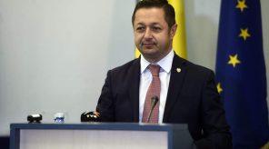 ministrul tineretului și sportului: federațiile trebuie să vină cu o strategie pe următorii 5 ani Ministrul tineretului și sportului: Federațiile trebuie să vină cu o strategie pe următorii 5 ani FB IMG 1510153851633 296x164 Martin Atkinson va arbitra România - Danemarca Martin Atkinson va arbitra România – Danemarca FB IMG 1510153851633 296x164
