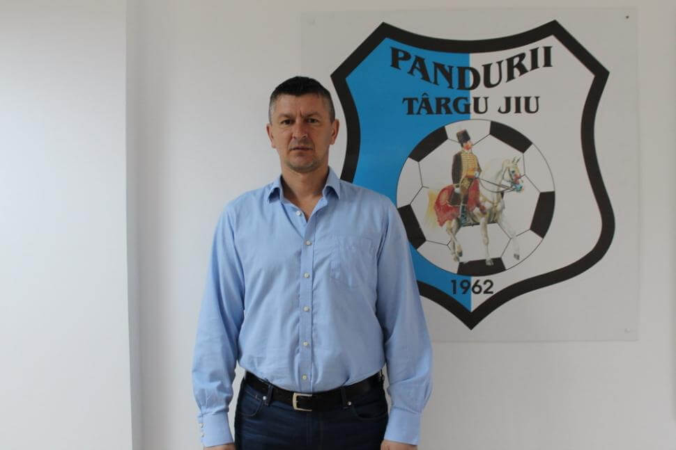 nou antrenor la pandurii târgu jiu Nou antrenor la Pandurii Târgu Jiu badoi